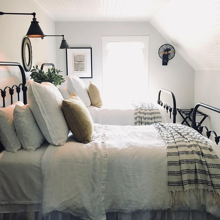 Farmhouse Bedroom Two Twin Size Beds Reading Lights Wal Sconces Tiny Attic Rooms Good Idea For A Guest Twin Beds Guest Room Home Modern Farmhouse Bedroom