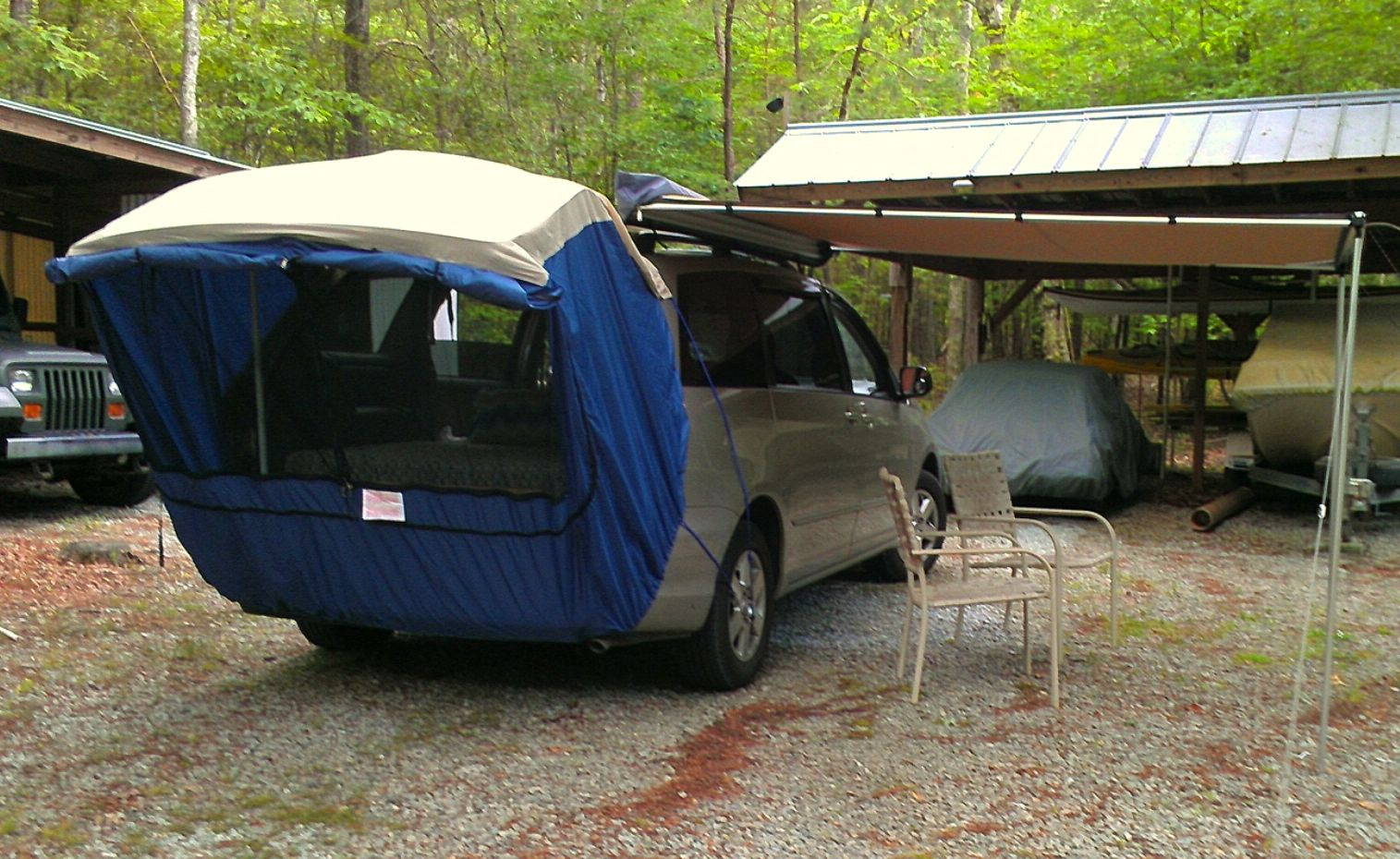 Easy no-construction minivan c&ing bed If you need to carry a lot of gear use six Action Packers (like these //amzn.to/2jl2xWR) below onu2026 & Easy no-construction minivan camping bed: If you need to carry a ...