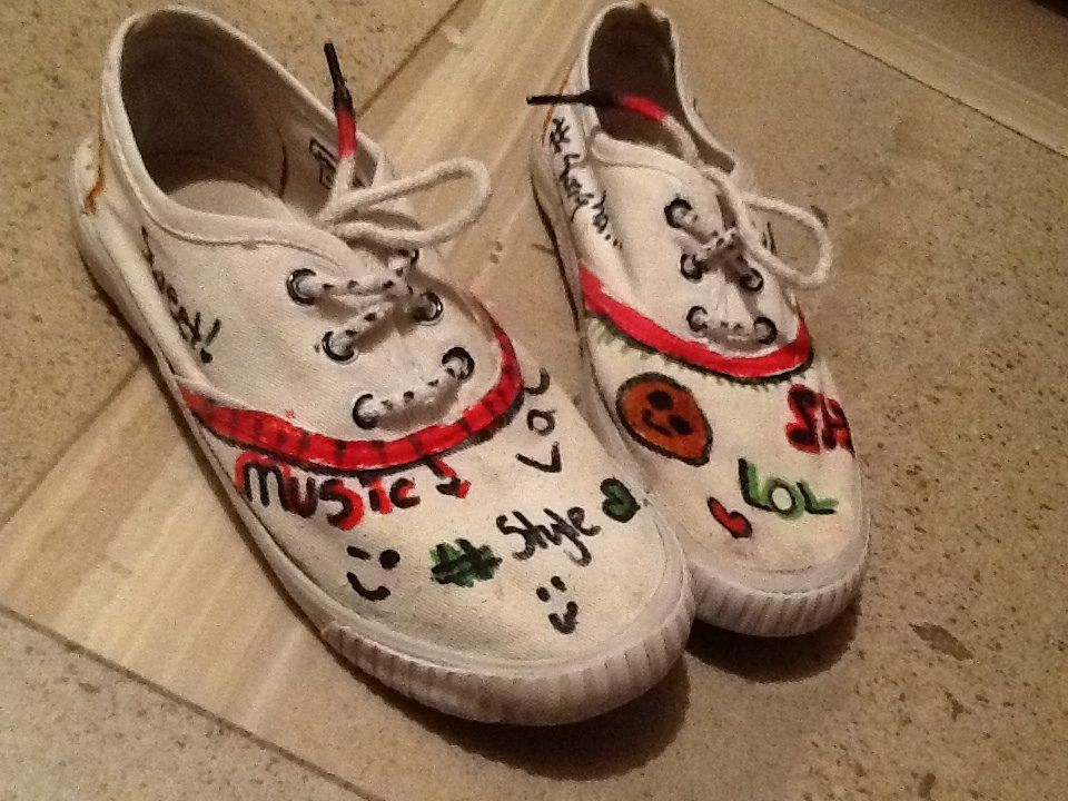 Omg!! Love these shoes!!! So I got SUUUUPPPPEERRR bored and just saw my old sorta worn out white shoes lying in the corner, so I got thinking, busted out some permanent markers and... BAHHMM!! Markers + old white shoes = a miracle on yo feet!!!! You should definitely dry this, I had so much fun making them, I hope you do to!!   Emma X!!