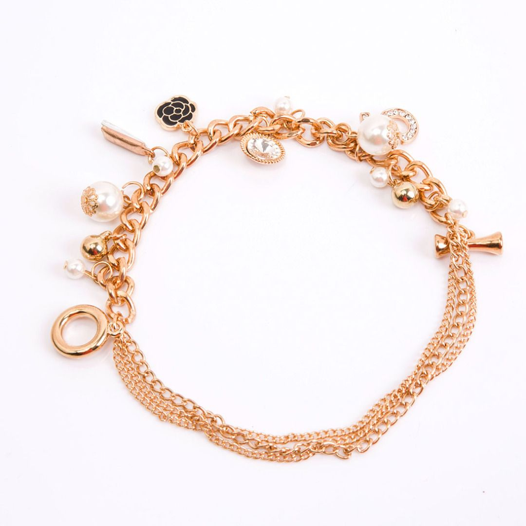 Dainty flower charm bracelet discount patpat mom baby