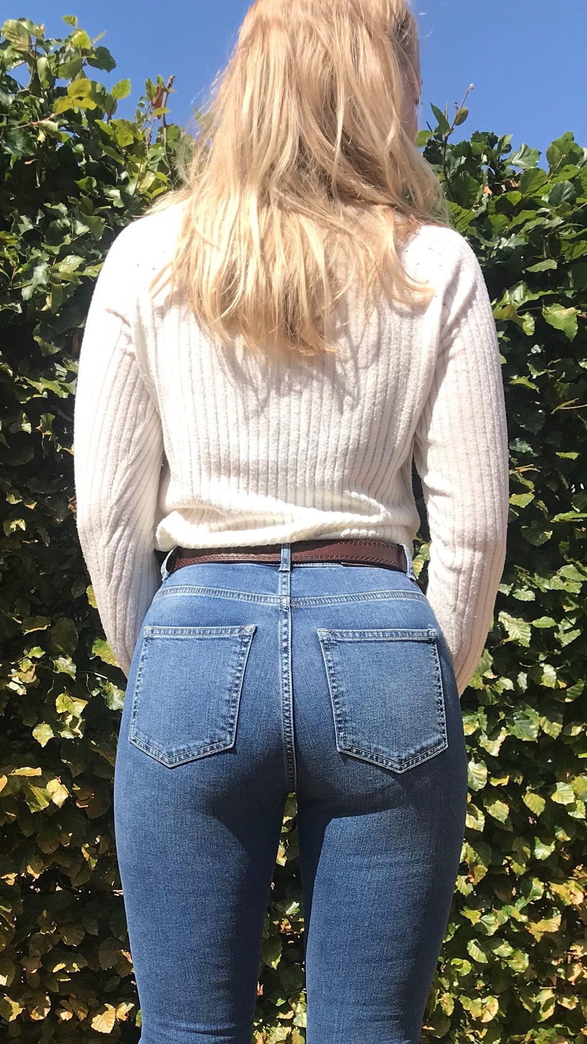 Best Stretch Jeans For Curvy Women