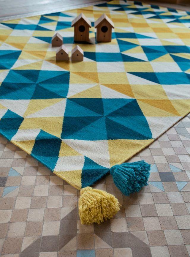 Tapis Laine Moderne Invitez Les Couleurs Et Le Style Chez Vous - Carrelage pas cher et tapis jaune et bleu