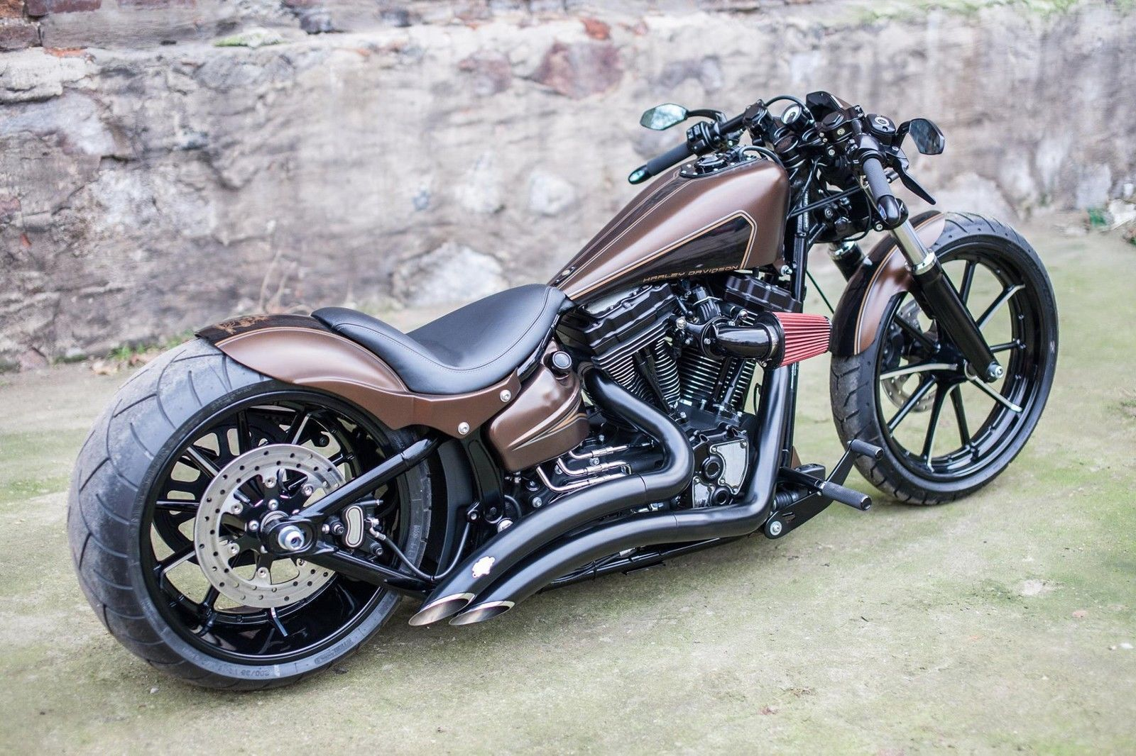 best harley davidson softail breakout custom air ride280mm. Black Bedroom Furniture Sets. Home Design Ideas