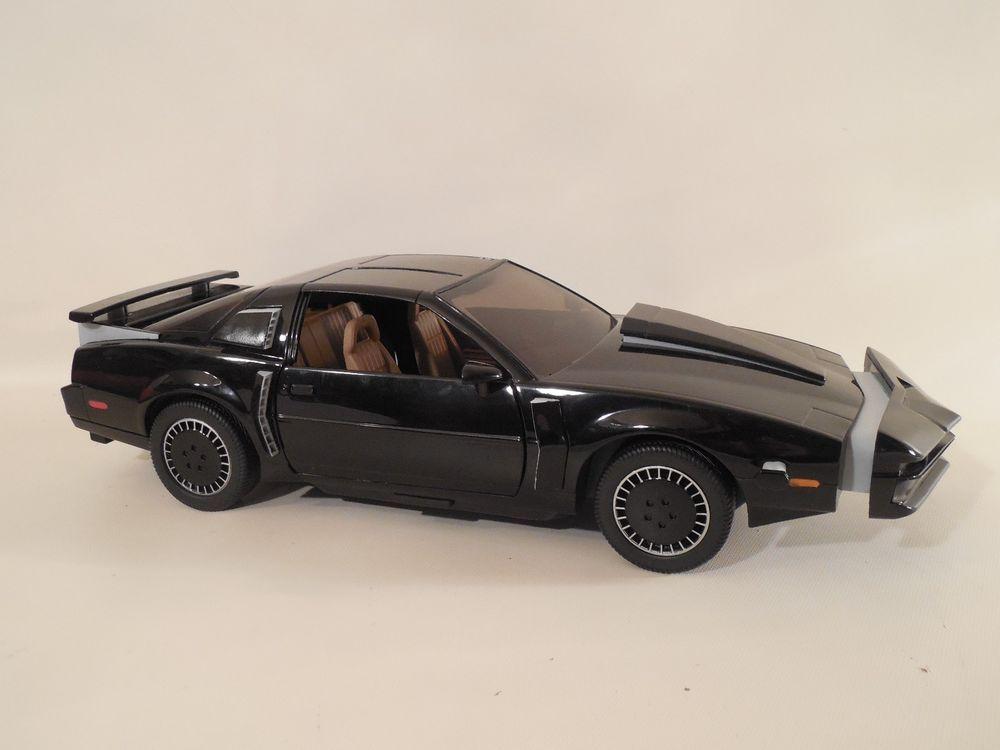 Diamond Select Knight Rider Super Pursuit Mode Electronic 1 15 K I T T Car Diamondselect Car