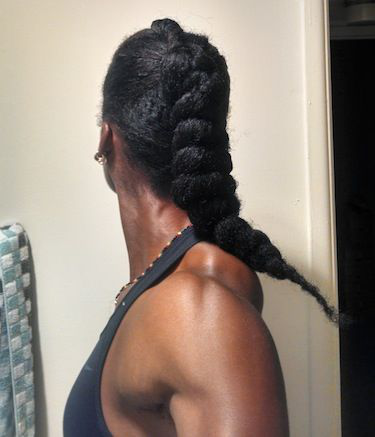 Click the image for Lénora's natural hair photos and
