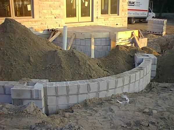 1 2 Block Tight Radius Curved Wall Wall Exterior Cultured Stone Cinder Block Walls