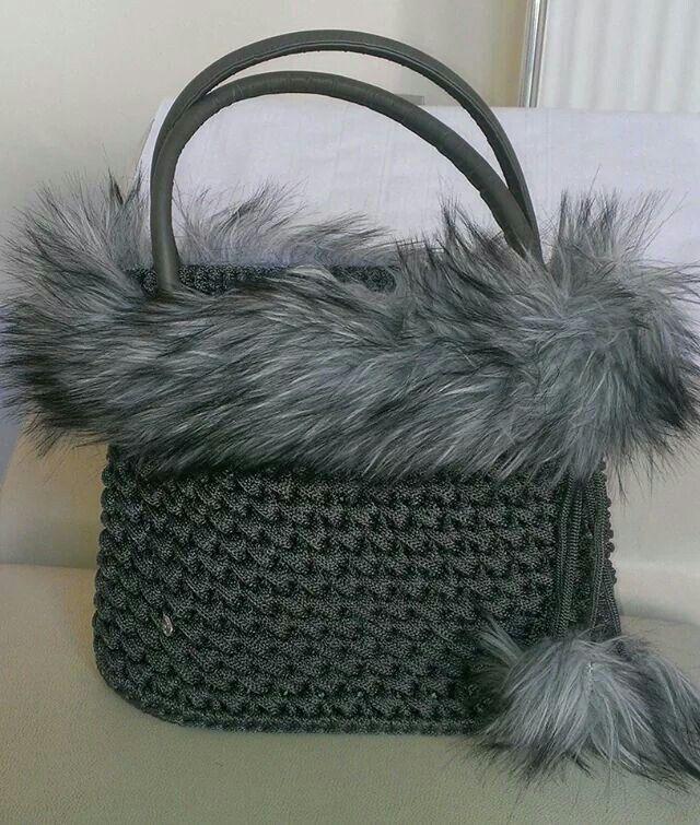Borsa uncinetto in cordino di lana e peluche ecologico for Idee creative uncinetto