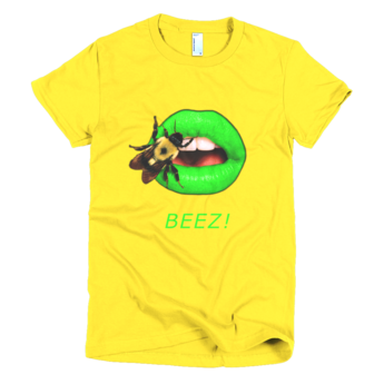 Short sleeve women's t-shirt with Bee on Green Lips