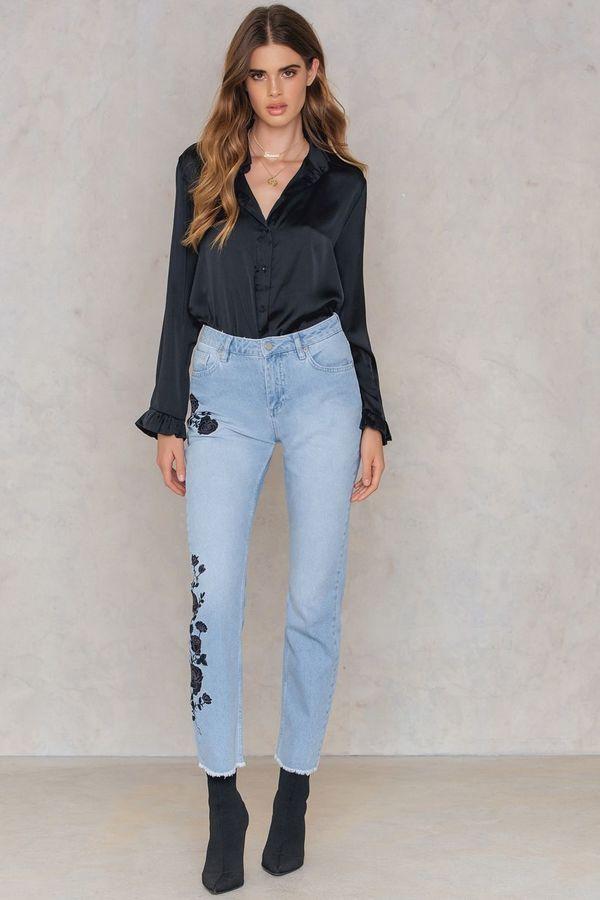 c5b61a325fd Black Embroidery Jeans  59.40 http   shopstyle.it l rokD Floral
