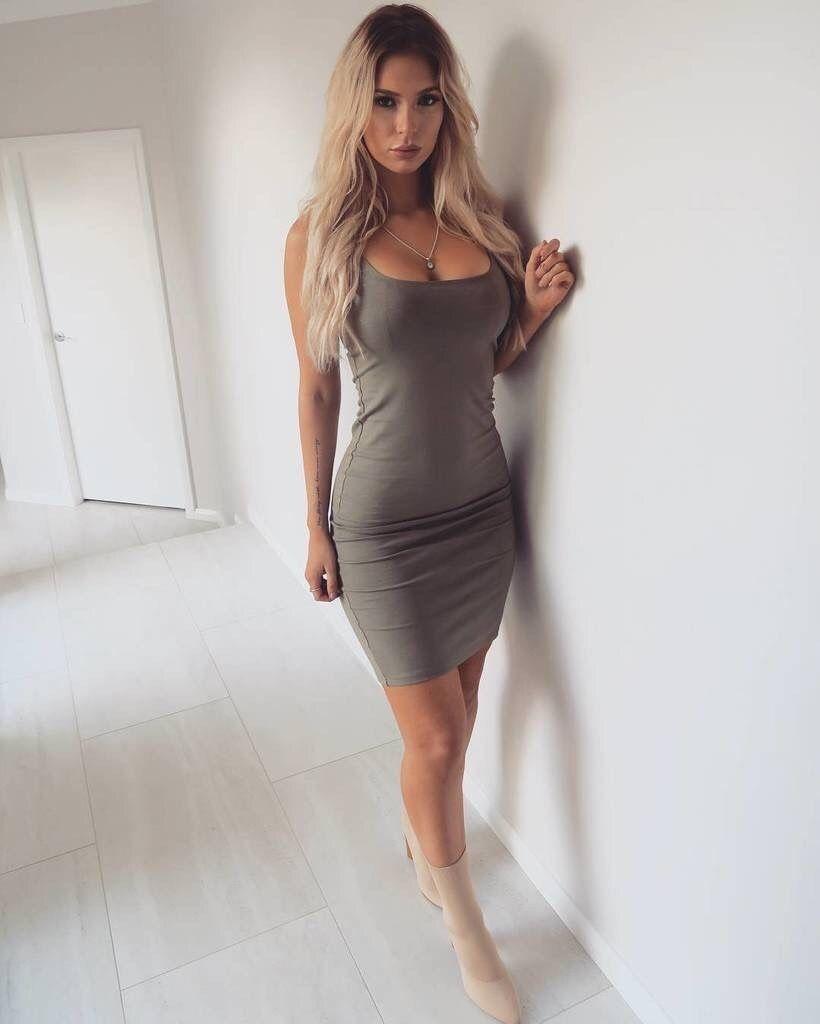 Amateur hot girl dress