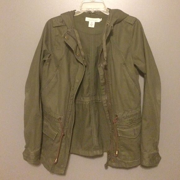 Olive green H&M jacket never worn, just doesn't fit H&M Jackets & Coats