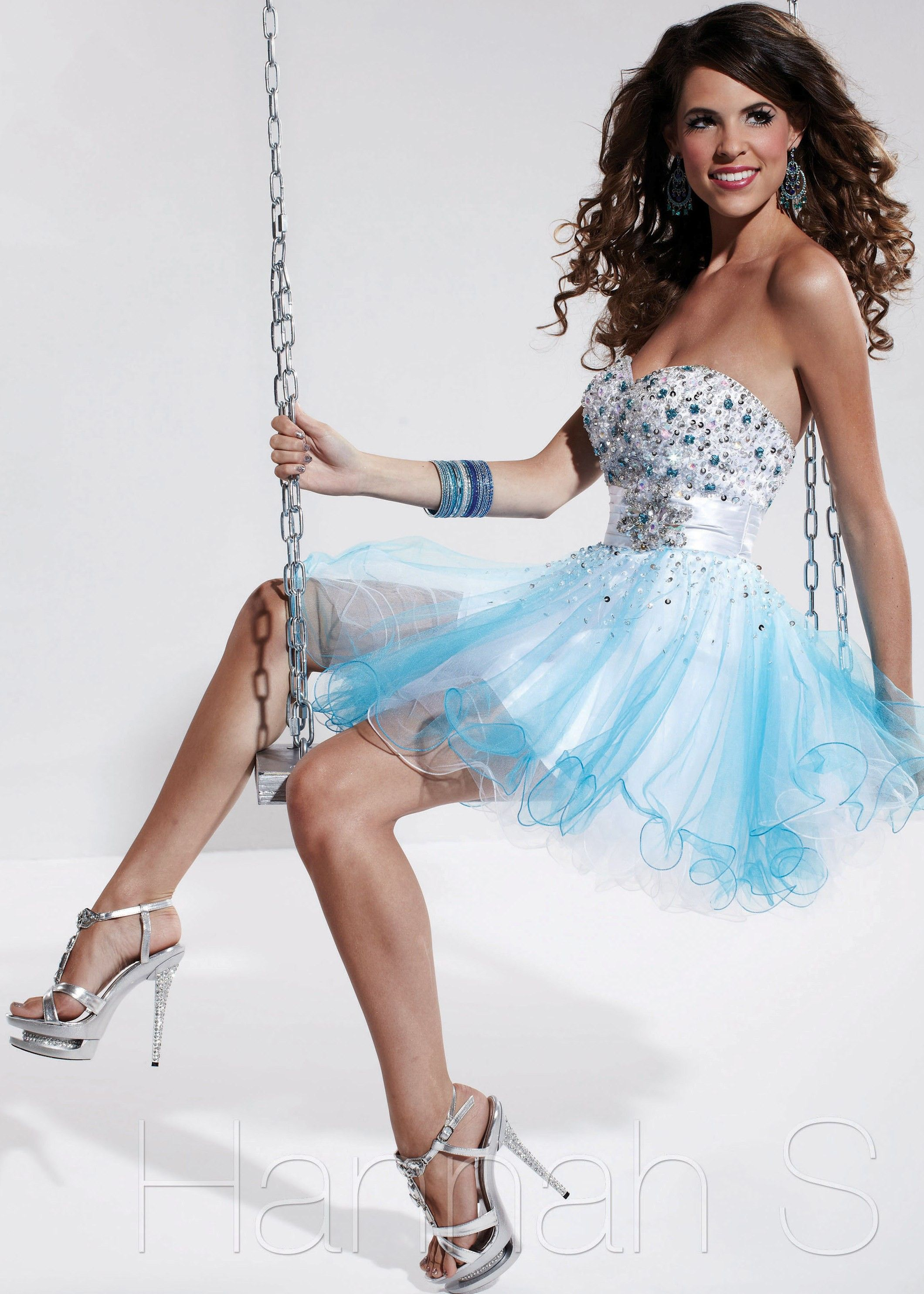 Cute turquoise and white strapless sweetheart short prom