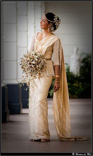 Sri lankan brides free daily designs www for Sri lankan wedding dress