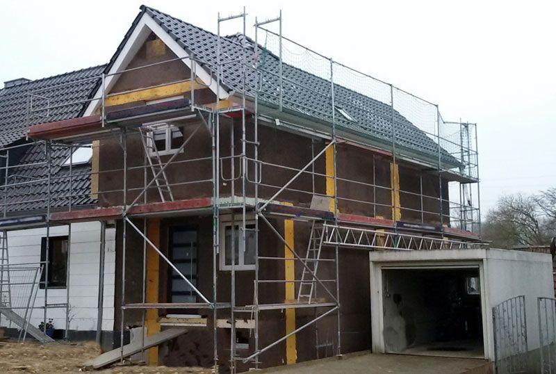 Anbau Einfamilienhaus mit massiven haufwerksporigen Außen