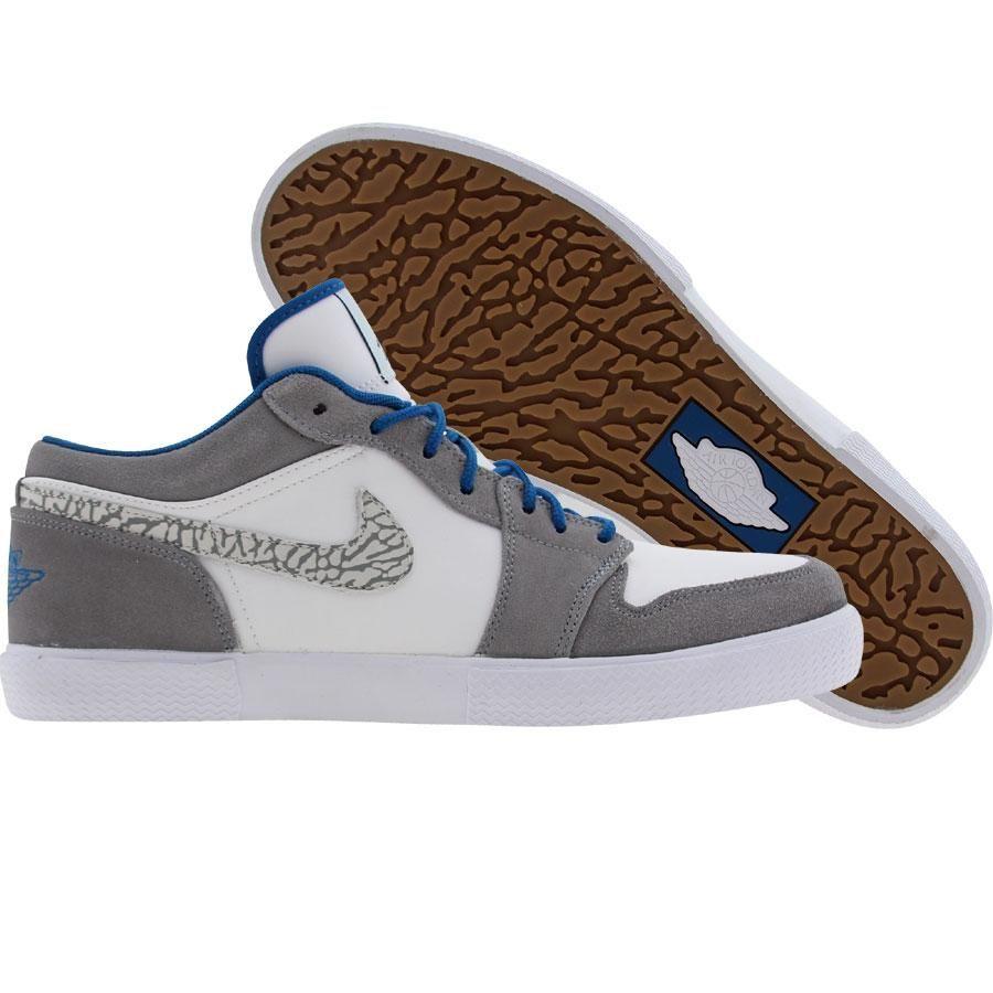 Air Jordan Retro V1 shoes in white c1b29a18e195