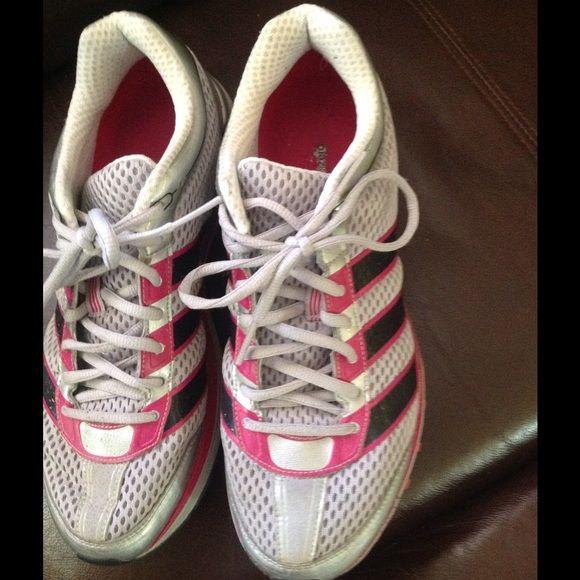 adidas scarpe leggermente consumate!piena parte anteriore molto leggera