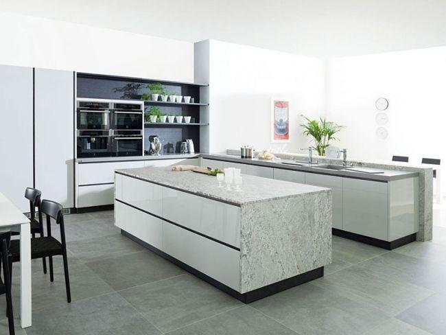 Küchen design hochglanzfronten marmor arbeitsplatte schwarze akzente ...