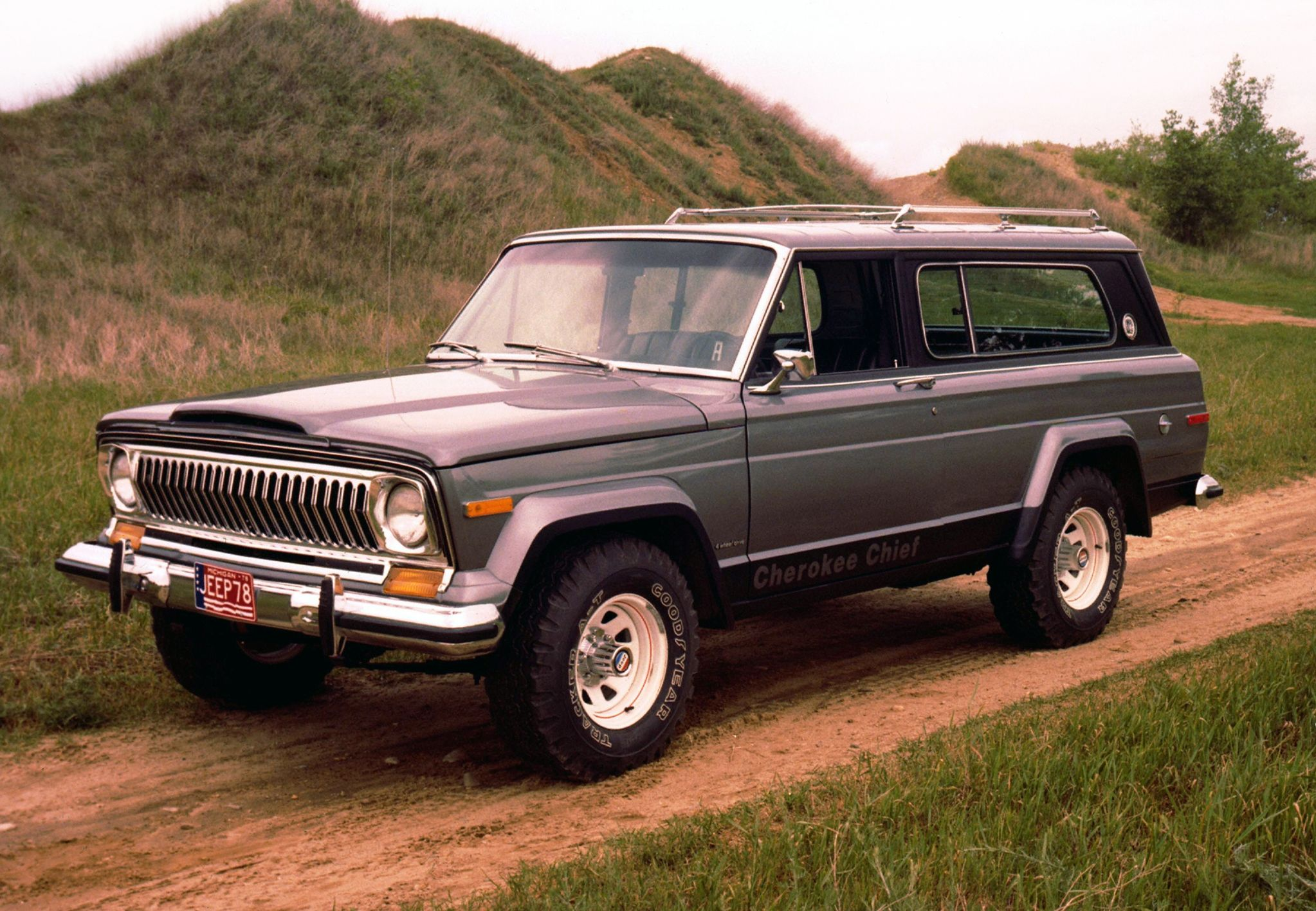 8 Suvs That Went From Being Tough As Nails To Lightweight Family Haulers Top Speed Jeep Cherokee Jeep Cherokee Parts Cherokee Chief