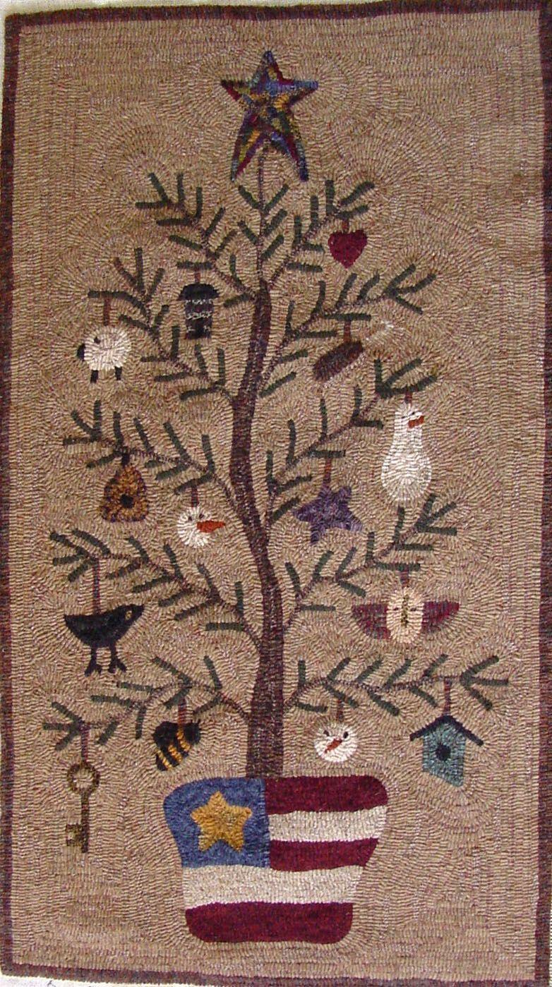Ohchristmastree Jpg 782 1 399 Pixels Homemaderugs Rug Hooking Rug Hooking Designs Hooked Rugs Primitive