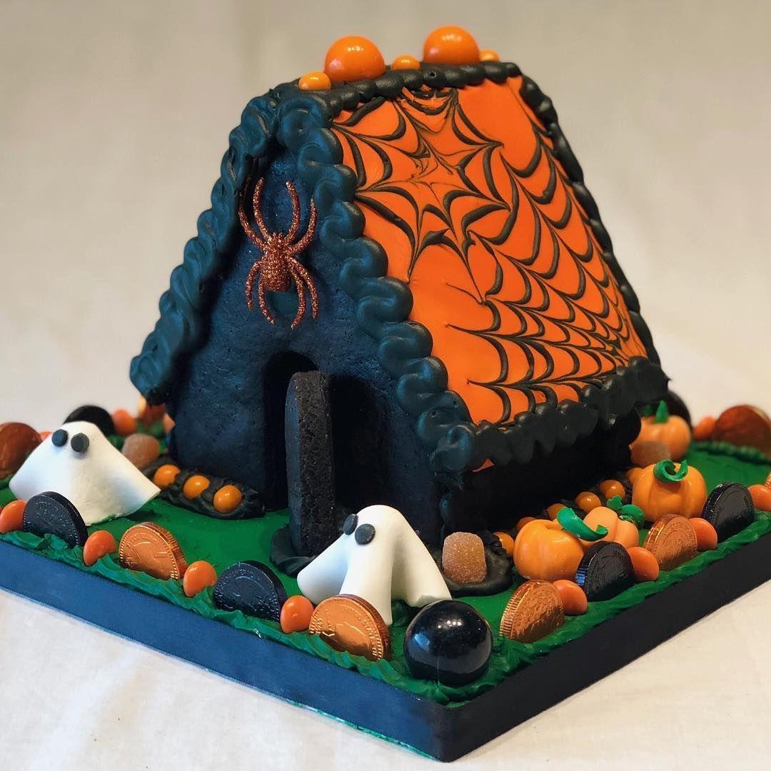 gingerbread house Halloween gingerbread house
