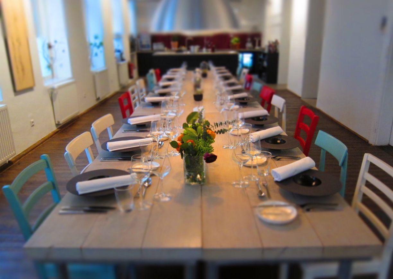 M77: MIETLOCATION UND DINNER CLUB Ein altes Gasthaus auf der ...