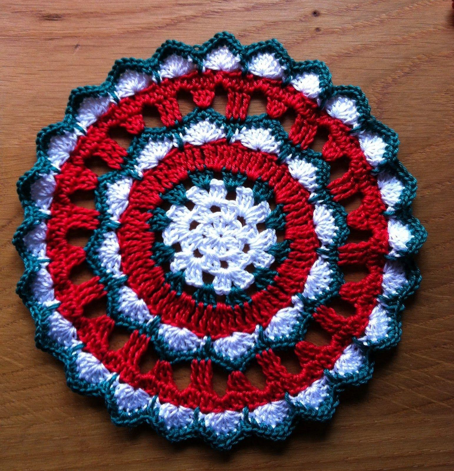 Crochet Mandala In Christmas Colors Pinterest Trippy Hippy Afghan Pattern Kingdom