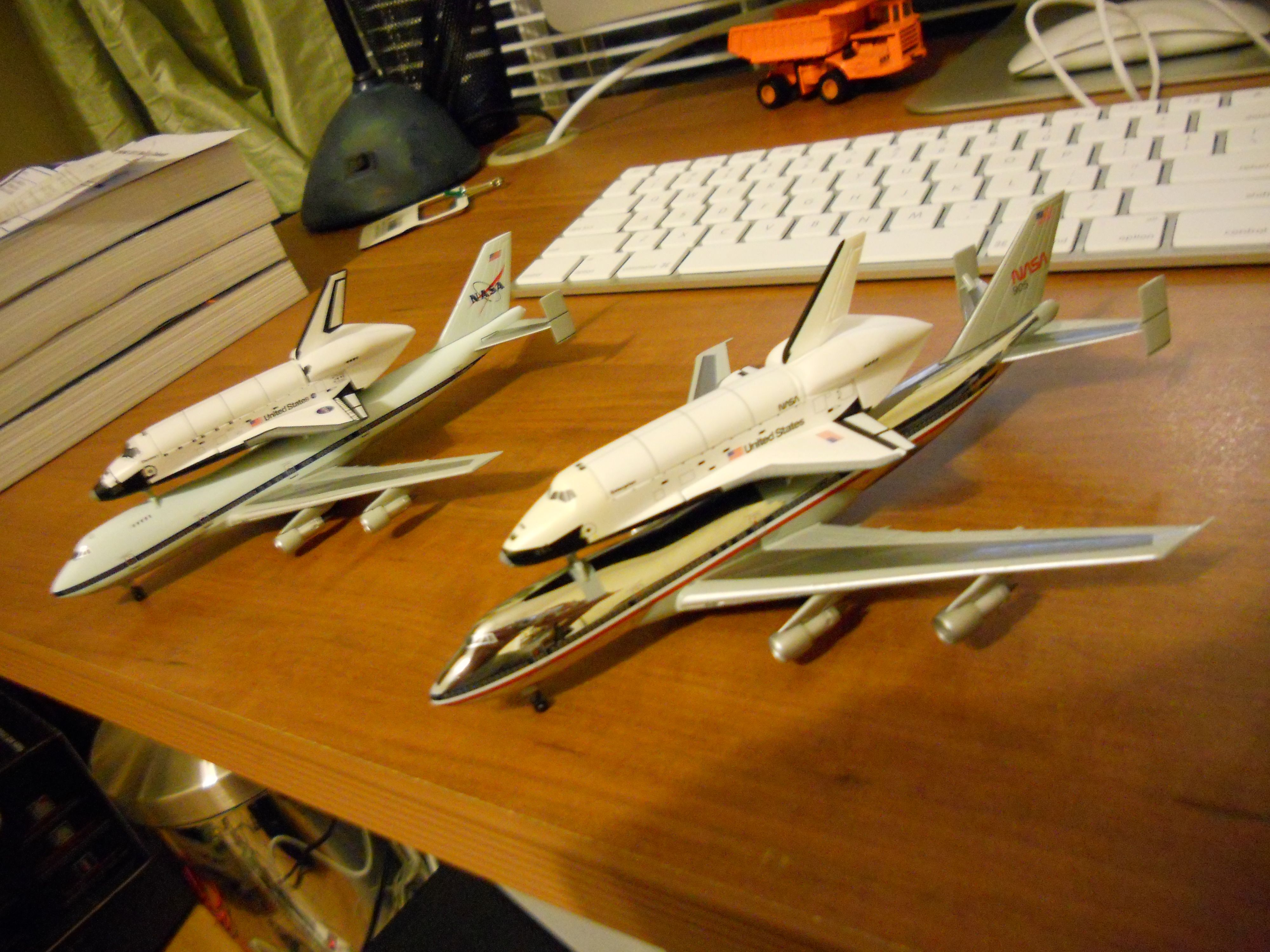 1/400 Scale Dragon Wings Space Collection Shuttle Carrier ...