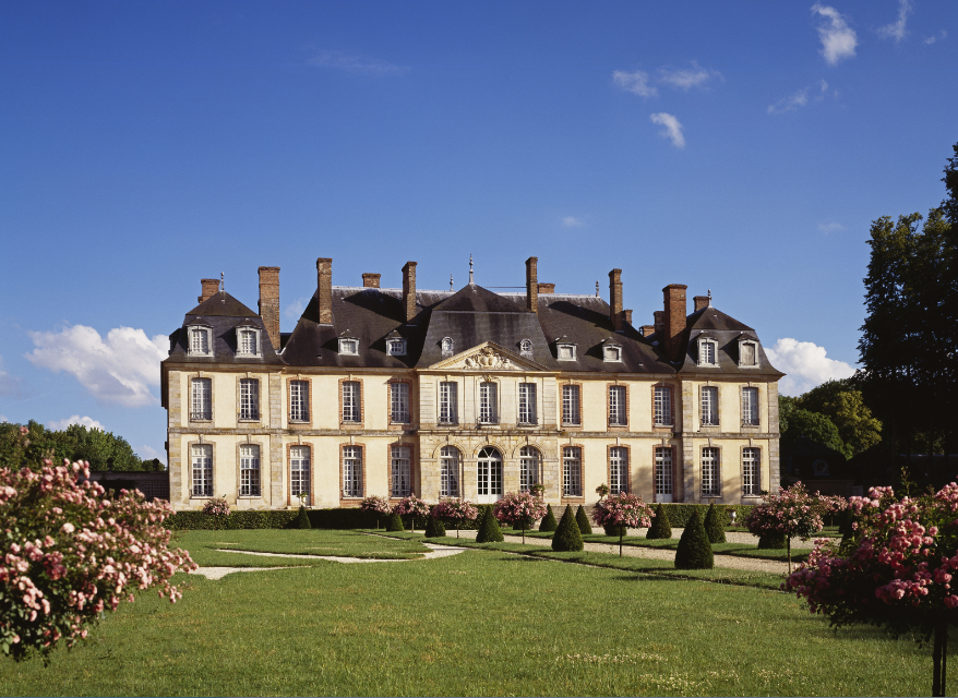 Chateau De La Motte Tilly En Champagne Ardenne France Mottetilly Lecmn Castle House French Castles Historical Architecture