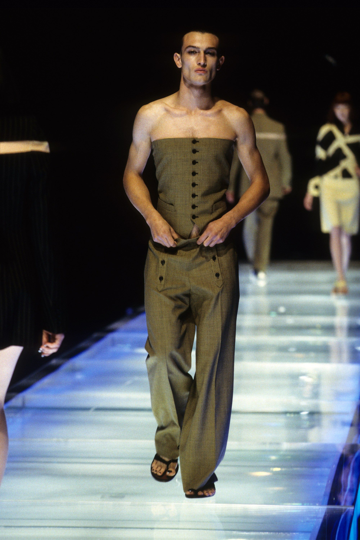Alexander Mcqueen Spring 1998 Ready To Wear Fashion Show Alexander Mcqueen Menswear Fashion Fashion Show