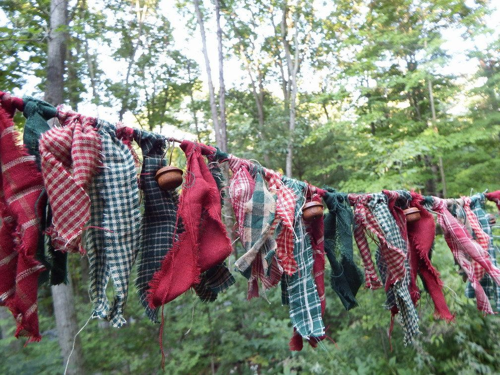 Christmas Rag Garland, Rustic Homespuns, Primitive Red and Green - country christmas decorations