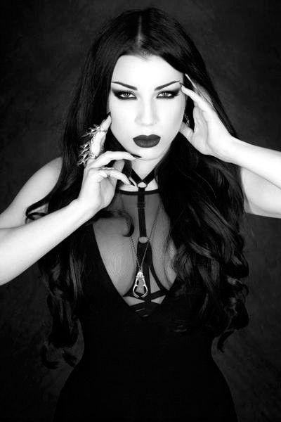 Carlos ABA (Posts com o marcador gothic) | Goth beauty