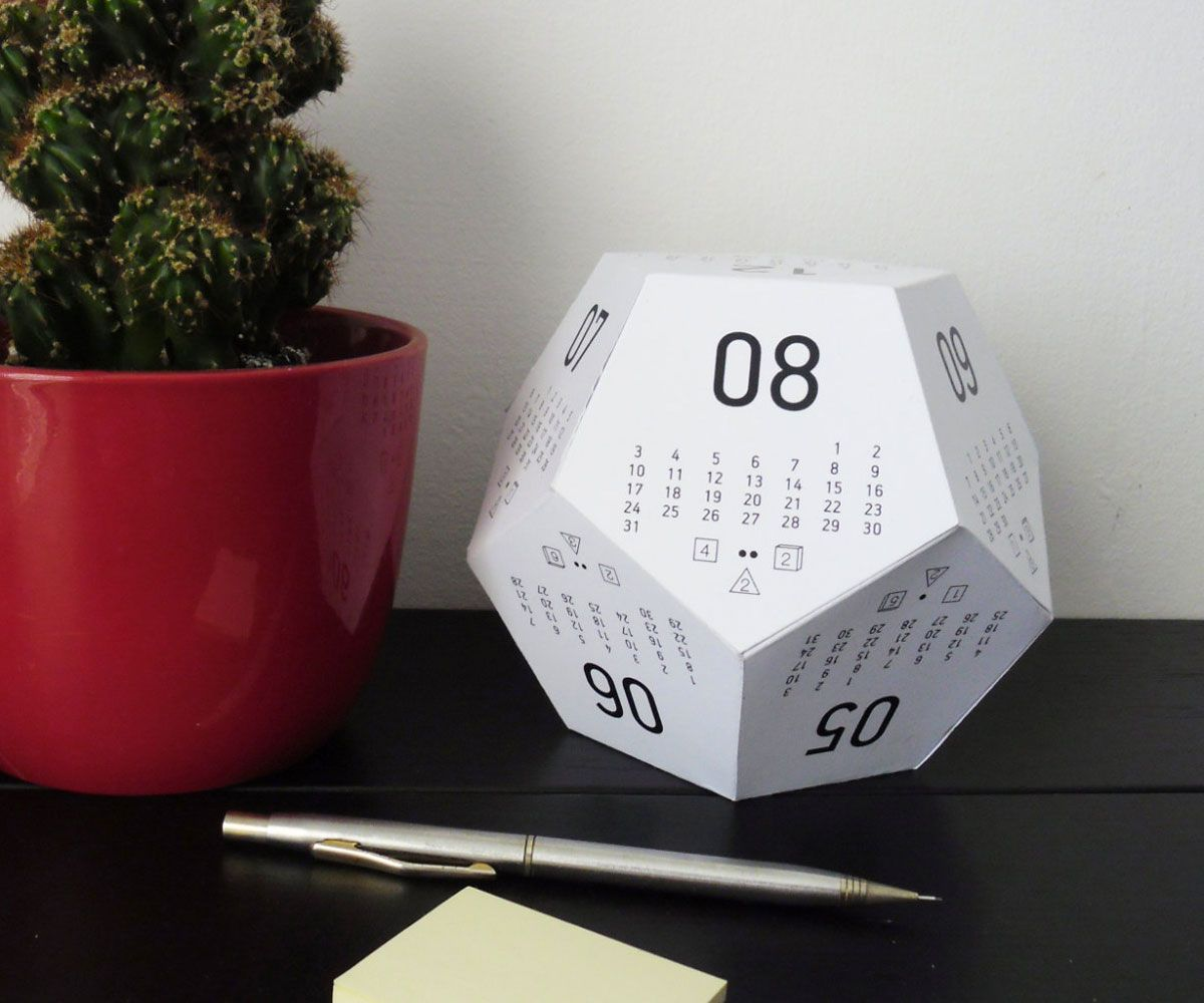 Dicecal Rpg Dice Desk Calendar
