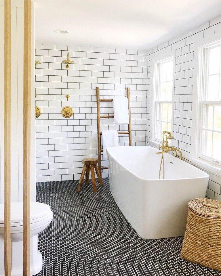 50 Stunning Black And White Subway Tiles Bathroom Design Badezimmer Mit Weissen Fliesen Badezimmer Schwarz Schwarzes Badezimmer