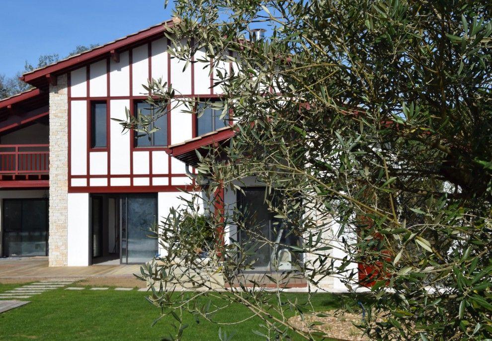 maison d 39 architecte pays basque grandes baies vitr es. Black Bedroom Furniture Sets. Home Design Ideas