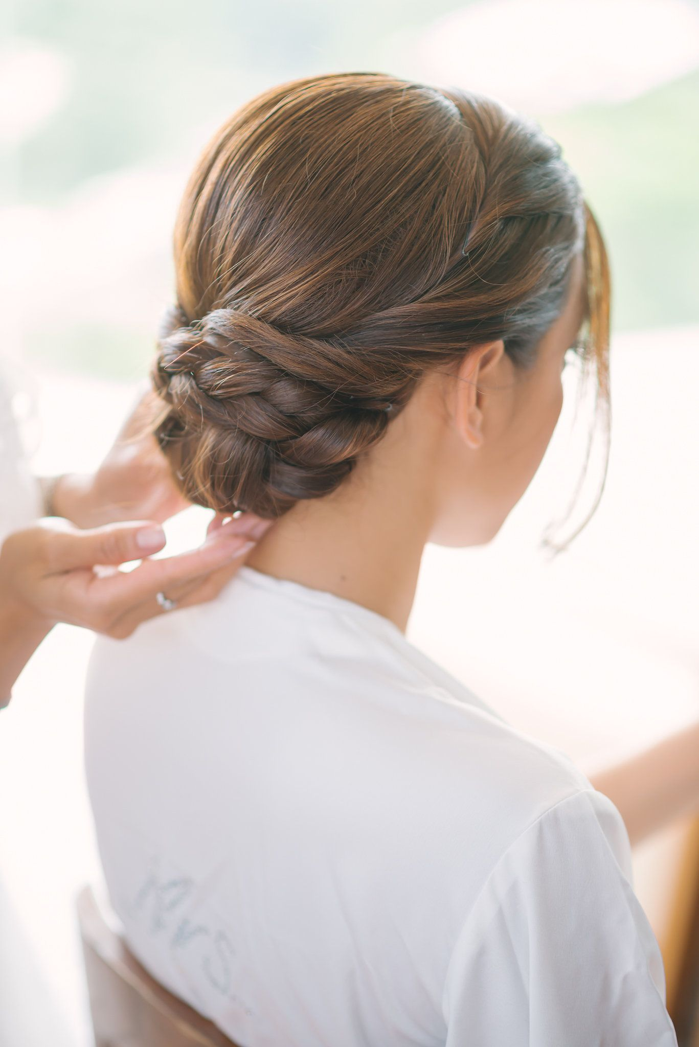 braided low bun wedding hair (Coiffure Pour Grosse) | tuto ...