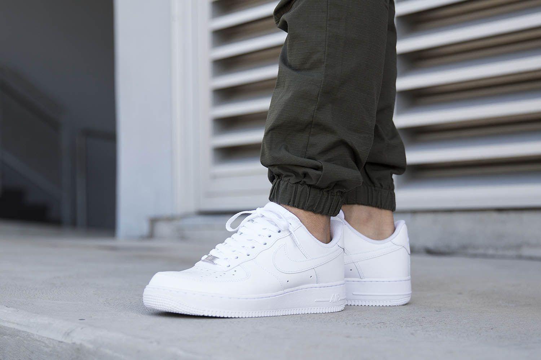 Nike Sportswear Blanco Air Force 1 Bajo Blanco Sportswear  Blanco  Blanco Disponible En 959f8d