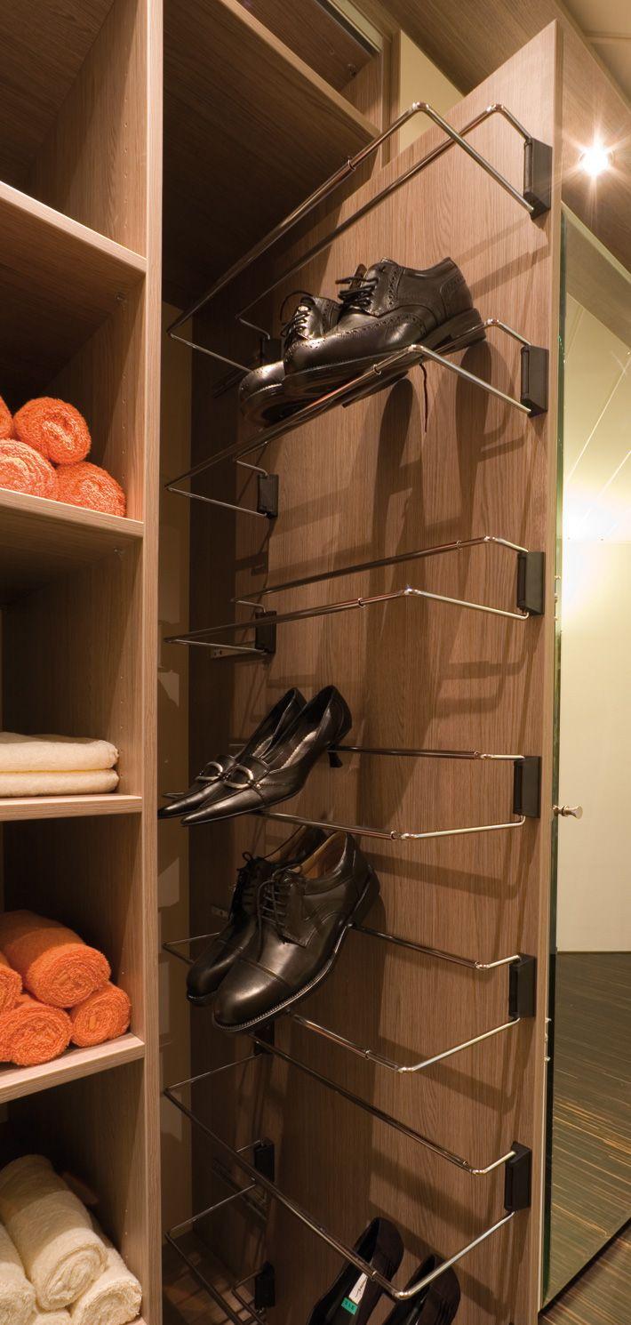 Opbergsysteem voor uw schoenen volledig in uw kast geintegreerd | www.comfortinstijl.nl