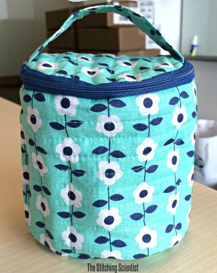 Free Sewing Pattern: Quilted Round Makeup Bag | Free Sewing Patterns ...