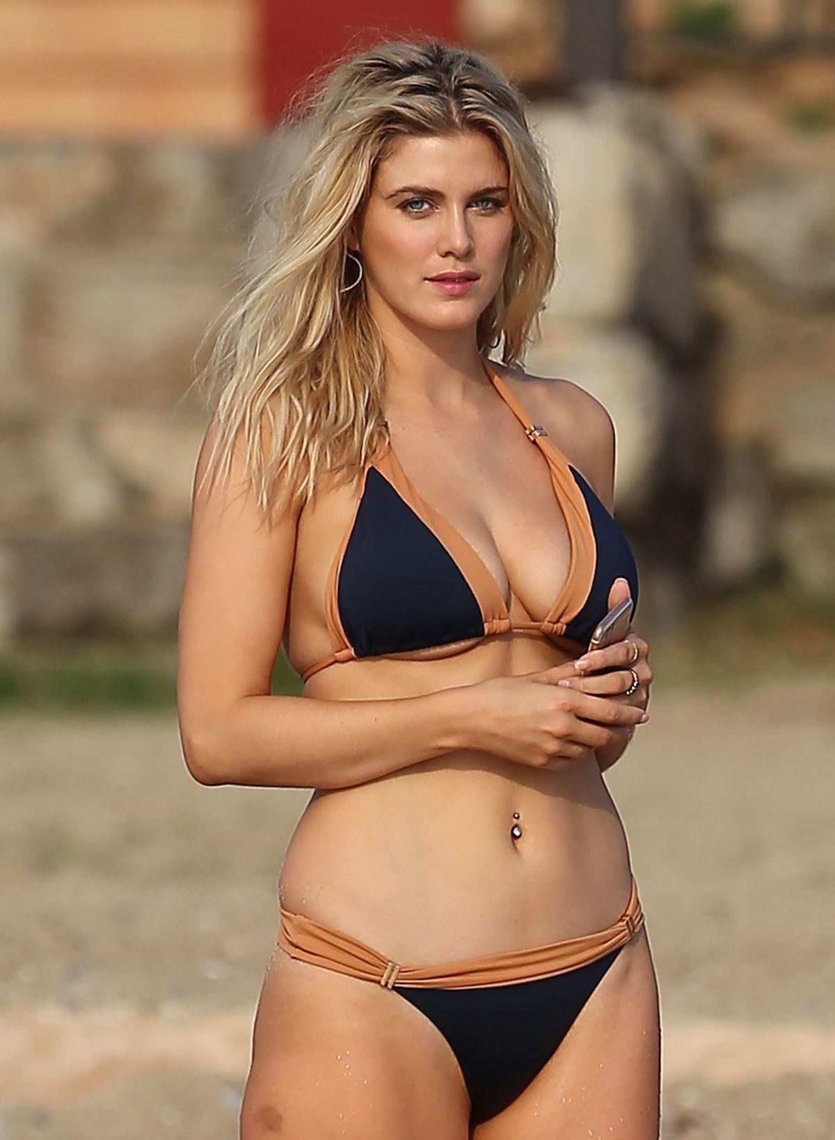 f40bf7ddc9 Pin by Enjooll on Bikini Actress | Bikinis, Celebrity bikini, Ibiza ...