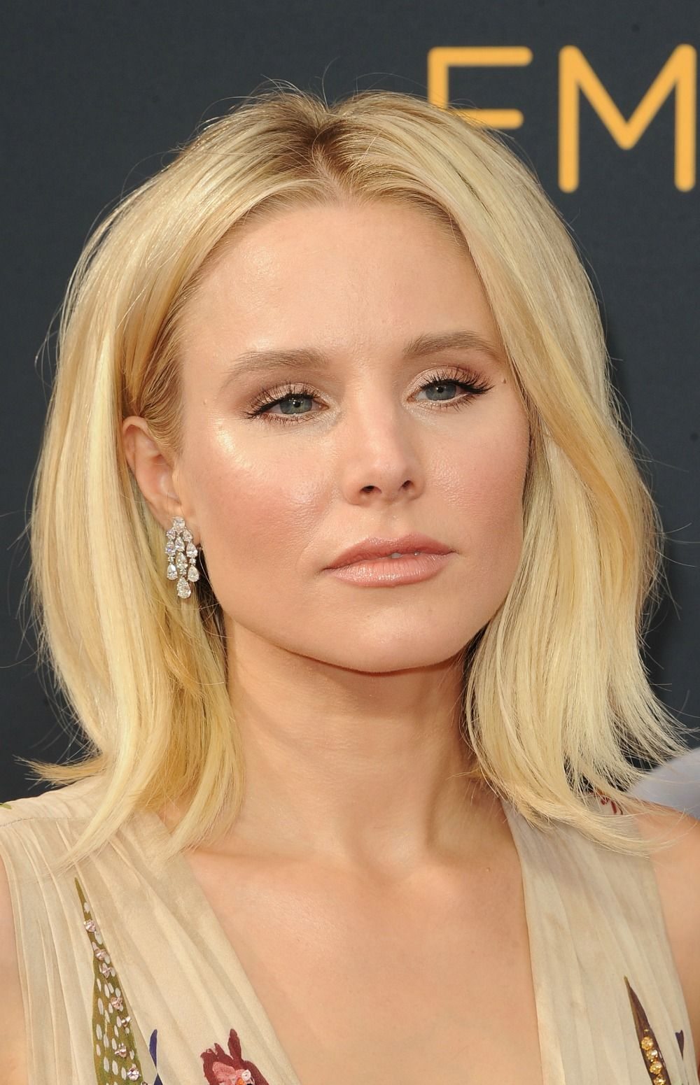 Kristen Bell's Most Lust-Worthy HairMoments