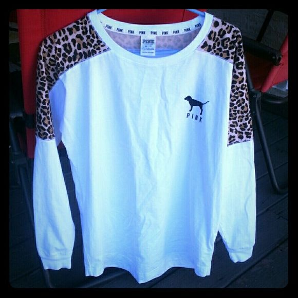 Rare Htf Victoria's Secret Pink Cheetah crew Size xsmall. Runs big. No flaws. Amazing condition! Very rare! HTF! Will only trade for one of my isos that are rare or a few of my isos that aren't! Bundle to save!(: PINK Victoria's Secret Sweaters Crew & Scoop Necks