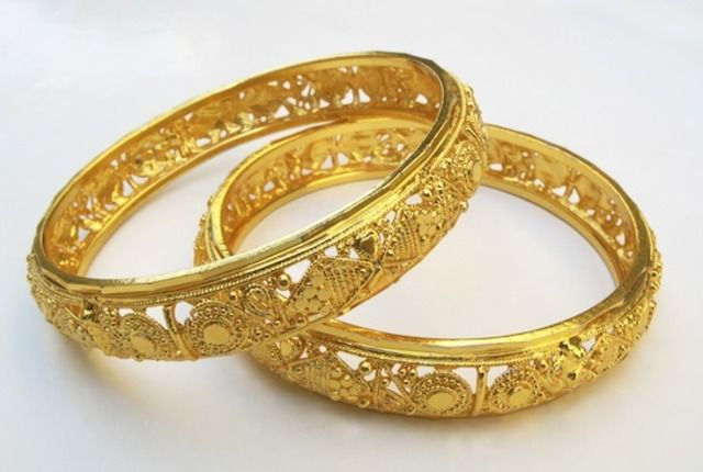 Little India, Singapore | Eastern Excursions | Gold bangles