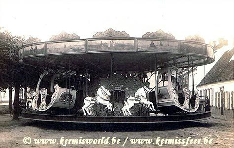 Wilfried Dagraed - restauratie Carrousel Galopant - Wilfried Dagraed – Restauration d'un Carrousel Galopant  Op vrijdagvoormiddag 7 september hadden we het privélege bij Wilfr