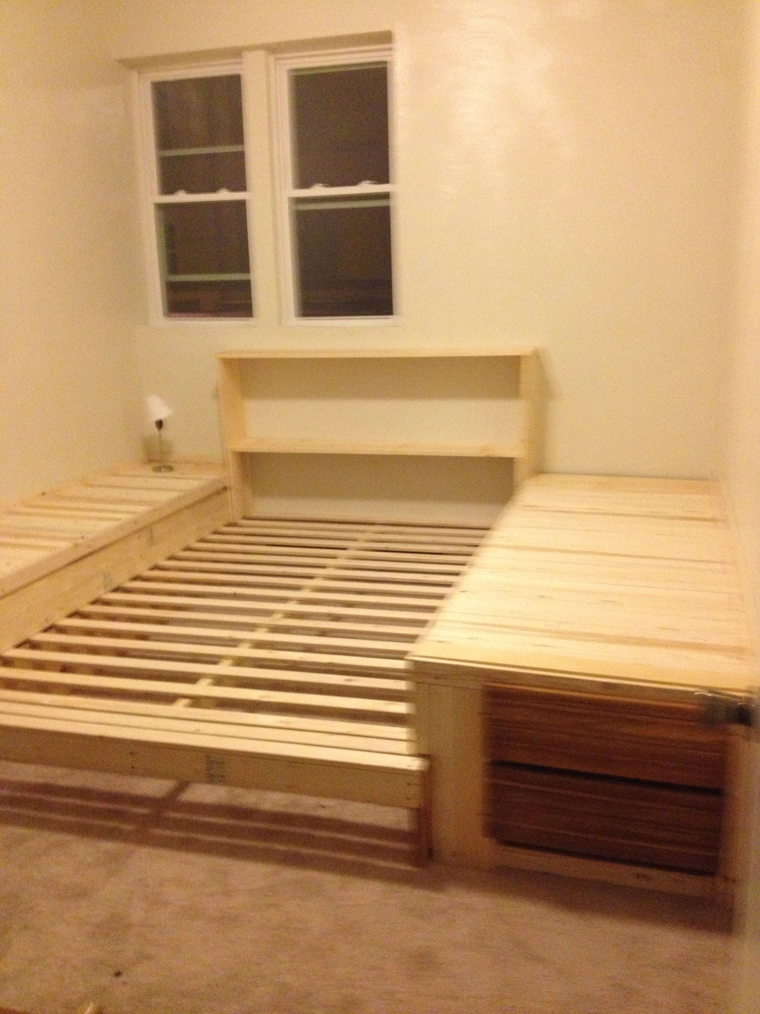 Diy Pallet Bed Frame With Storage
