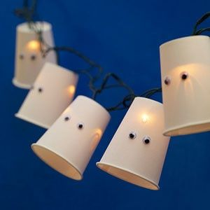 cheap and easy halloween decoration ides. Styrofoam cups, eyes, strand of white lights. #halloween #halloweendecorations #costumes #halloweencostumes #pumkpins #halloweencandy