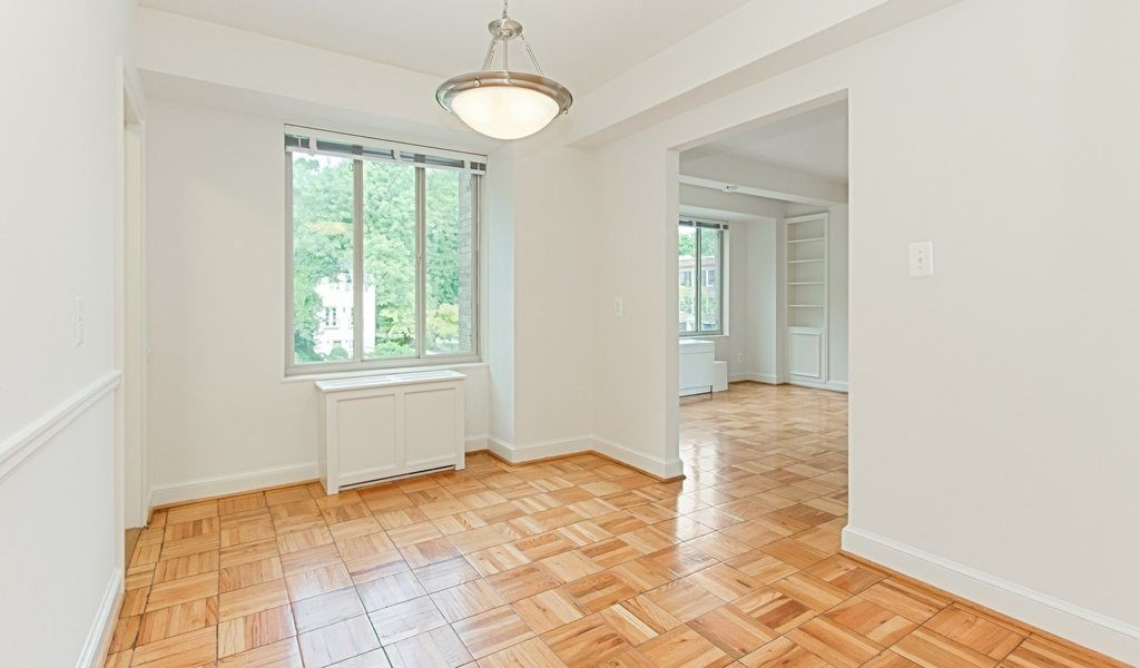 All Utilities Included In This Woodley Park One Bedroom Apartminty Cool Apartments Dc Apartments Bedroom Apartment