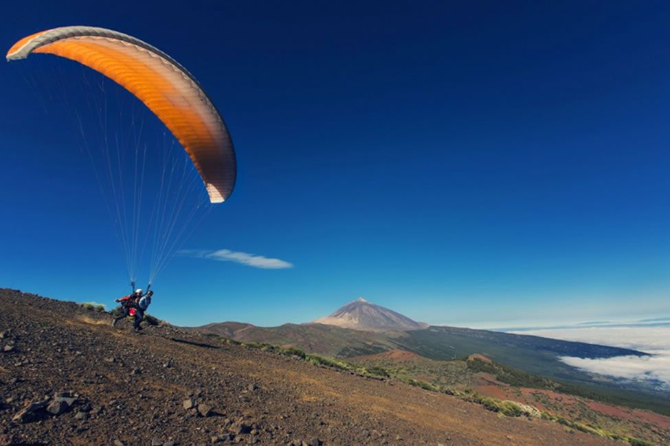 Taking the plunge paragliding in Tenerife | 7 reasons to leave your lounger in Tenerife | Weather2Travel.com #tenerife #canaryislands #spain #travel