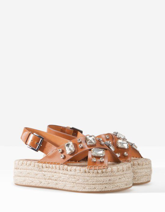 2508c216664c1c Stradivarius Jewelled jute sandals