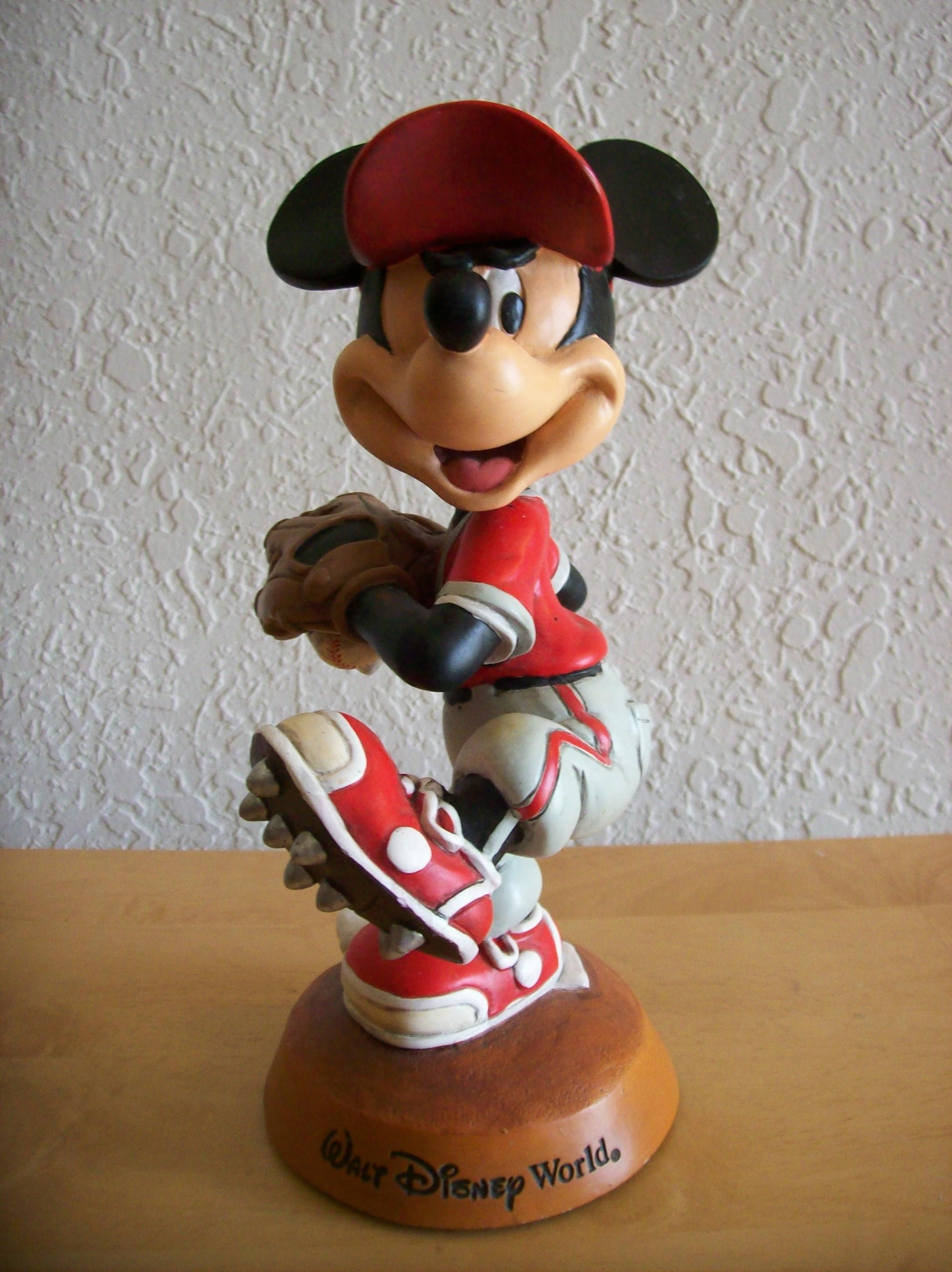89a039f5947 Walt Disney World Mickey Mouse Baseball Bobble Head
