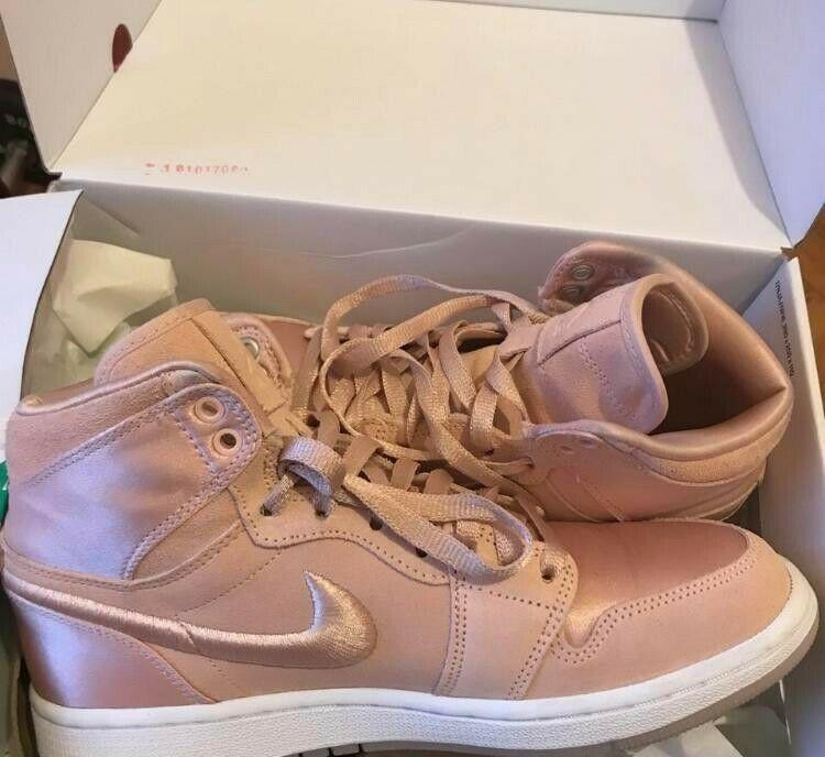 Nike Air Jordan 1 Retro High Season of Her Ice Peach Womens